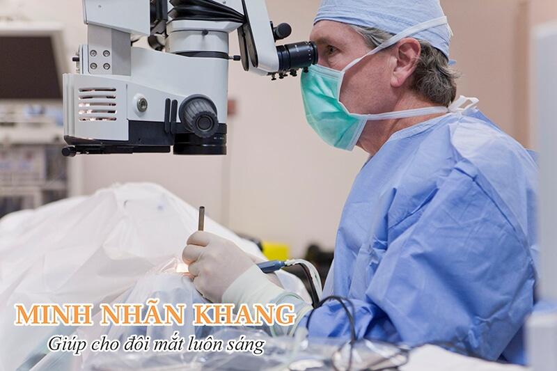 Phẫu thuật phaco được áp dụng nhiều trong điều trị cườm khô